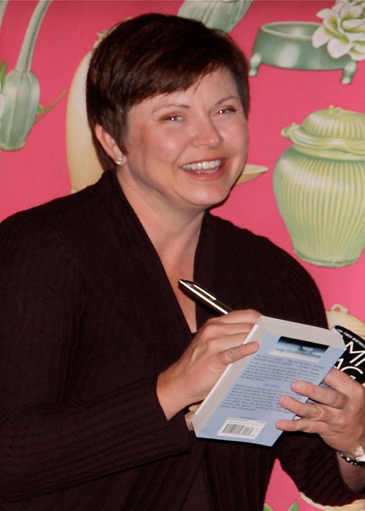 Tami Hoag Book Signing